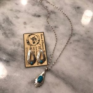 Set of turquoise necklace and earrings